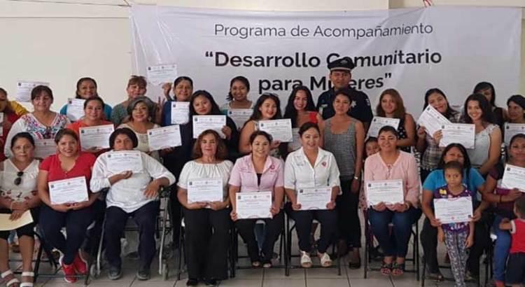 """Clausuran programa """"desarrollo comunitario para mujeres"""""""