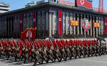 Realiza Corea del Norte desfile militar