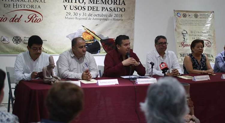 Honran al historiador Ignacio del Río