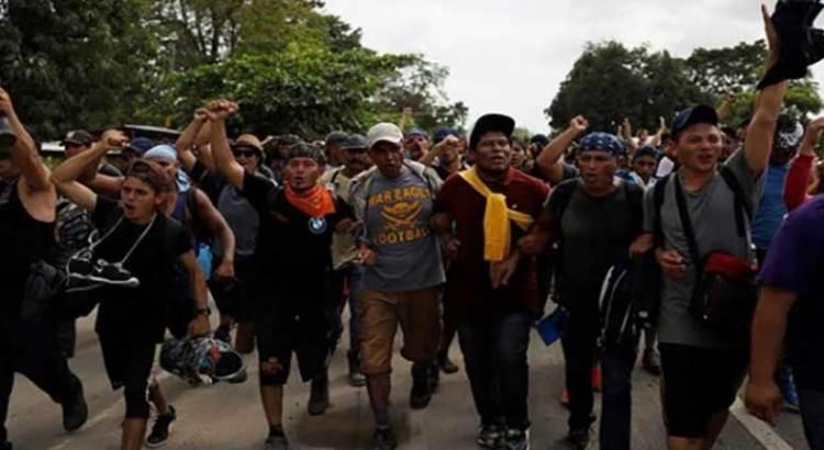 Salen 155 camiones a CDMX con primera caravana migrante