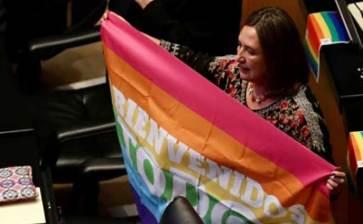 Tendrán parejas gay mismos derechos en IMSS e ISSSTE