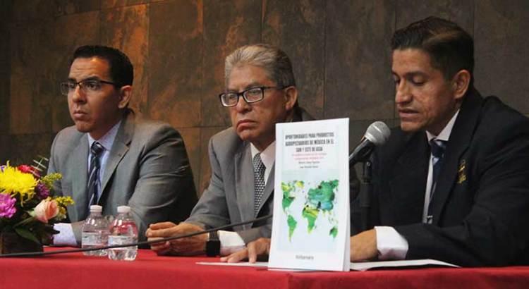 Presentan en la UABCS obra editorial