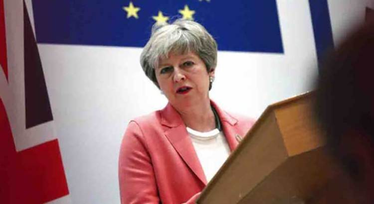 Declinará Theresa May como primera ministra del Reino Unido
