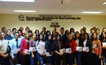 Beca Mitsubishi  a alumnos de UABCS GN