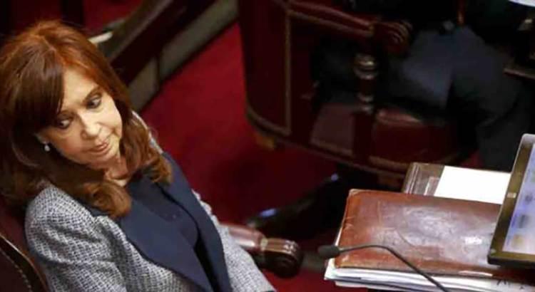 Ordenan prisión preventiva para Cristina Fernández