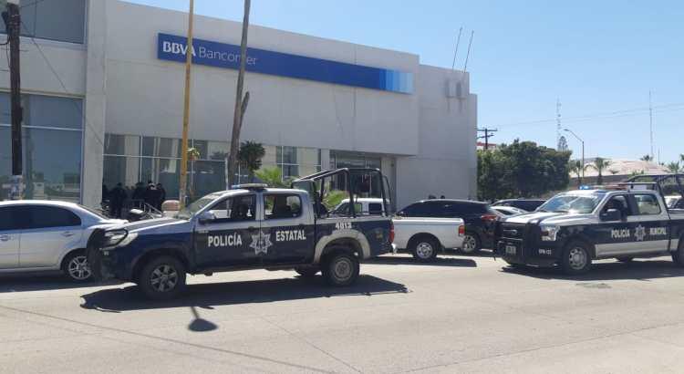 A mano armada asaltaron a cliente de Bancomer