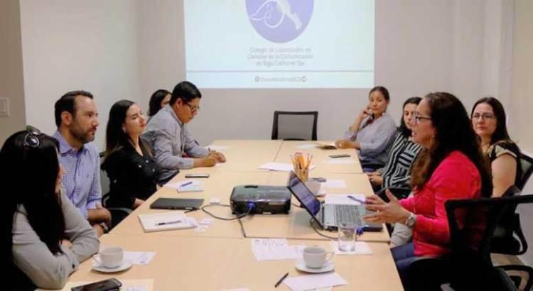 Se fortalece Colegio de comunicólogos