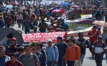 Amaga la CNTE con marchas y paro nacional indefinido