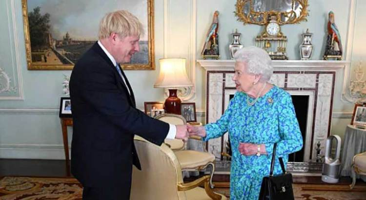 Boris Johnson a terapia intensiva
