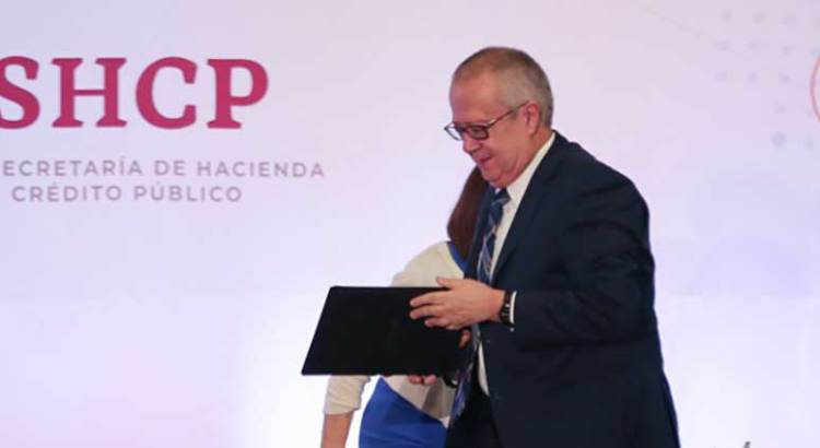 Renuncia Carlos Urzúa a la Secretaría de Hacienda