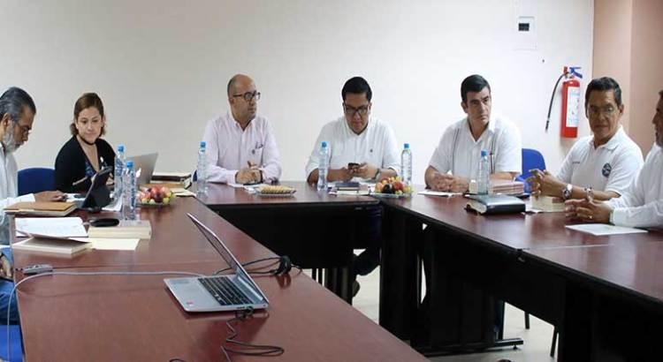 Sesiona en la UABCS comité de posgrados en Derechos Humanos