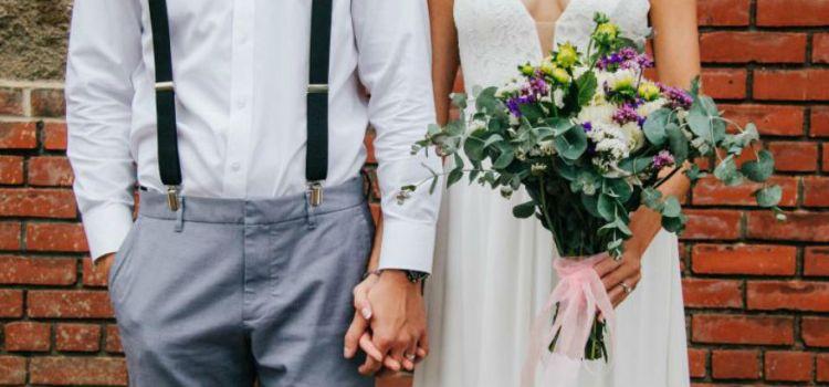Pagarán novios a quien vaya desnudo a su boda