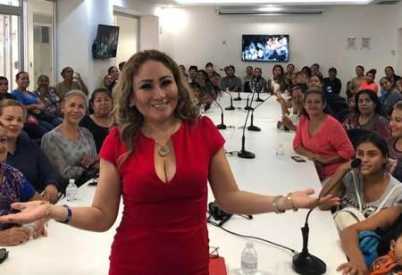Un éxito la conferencia magistral de Pamela Gutiérrez