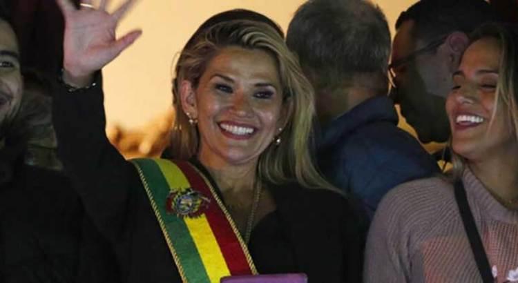 Reconoce Brasil a Jeanine Añez