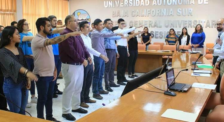 Toman protesta a nuevos consejeros del CGU de la UABCS