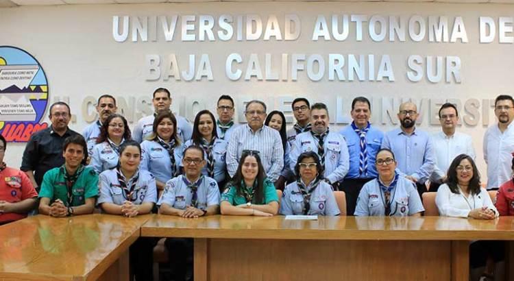 Signan convenio UABCS y Asociación Scout de México