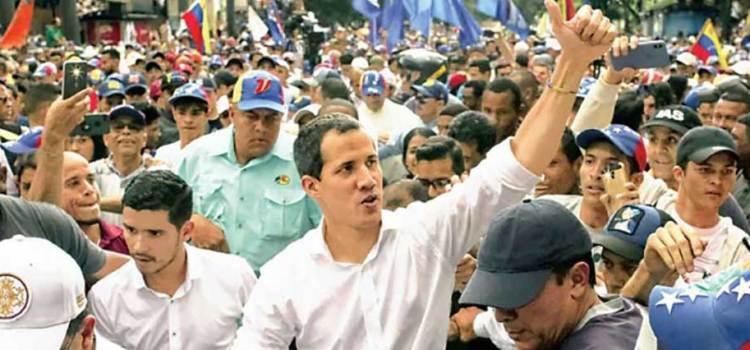 Vuelven opositores a las calles en Venezuela
