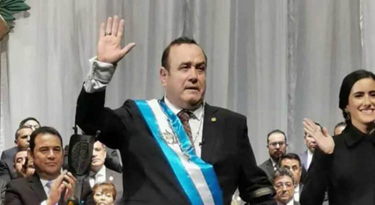 Juramenta Alejandro Giammattei como nuevo presidente de Guatemala