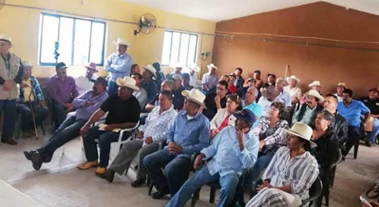 Celebran asamblea ejidal en La Candelaria
