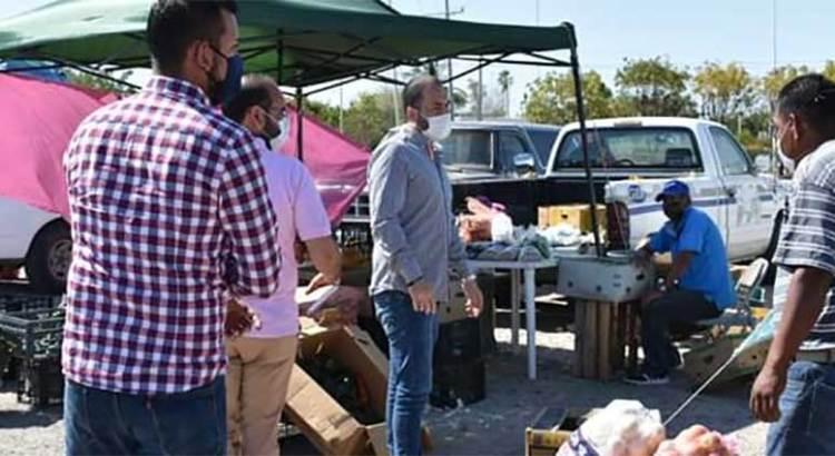 Aumentaron los puestos de comida y vendedores en vía pública