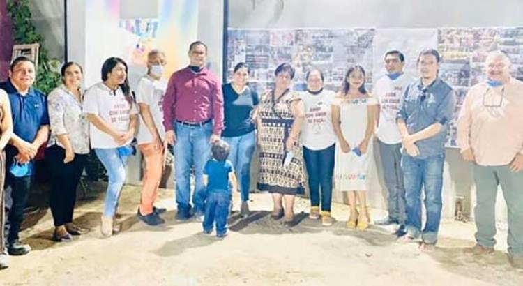 Muy juntitos celebraron el triunfo de AMLO