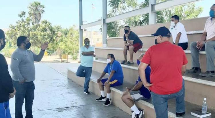 Cierran canchas públicas de La Paz
