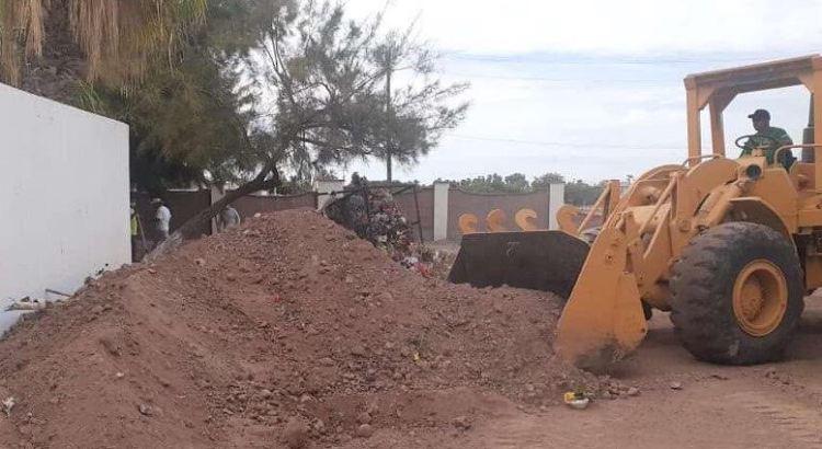 Limpian panteón municipal de Loreto