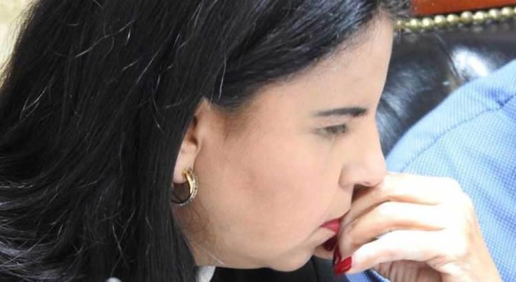No convenció Armida Castro a los tobeños