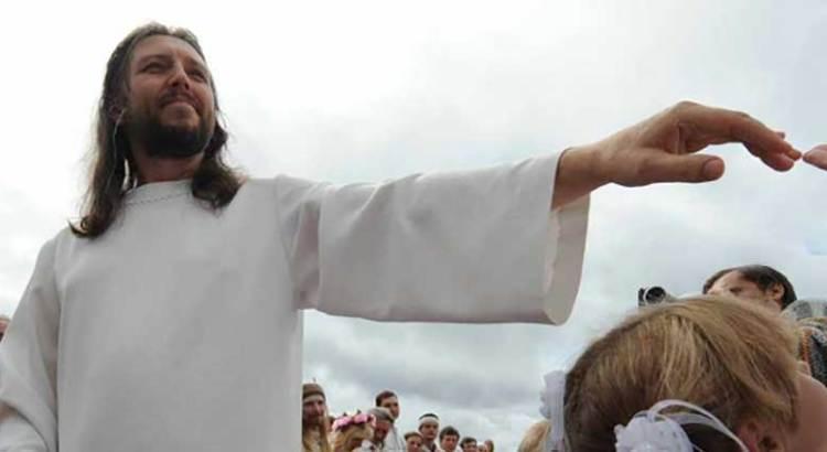 Arrestan a hombre que decía ser Cristo