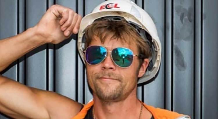 Albañil de día, doble de Brad Pitt por la noche