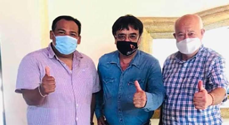 """Grupo Los Cabos """"firmes"""" con Víctor Castro"""