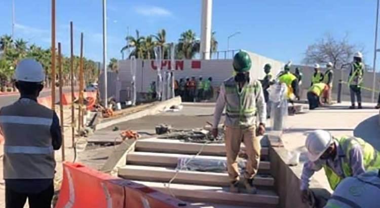 Que aclaren los permisos de  construcción de banquetas en Plaza Puerto Paraíso
