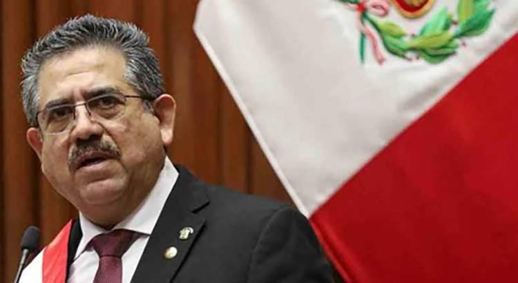 Renuncia Manuel Merino a la presidencia de Perú