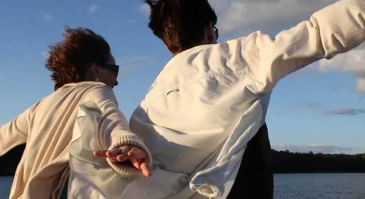 Recreó pareja de novios escena del Titanic