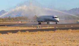 Recibe Loreto vuelo inaugural de American Airlines