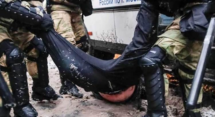 Más de 5 mil detenidos en Rusia