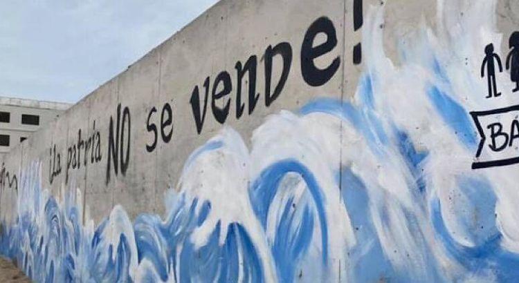 Hoy debe caer el muro de Costa Azul