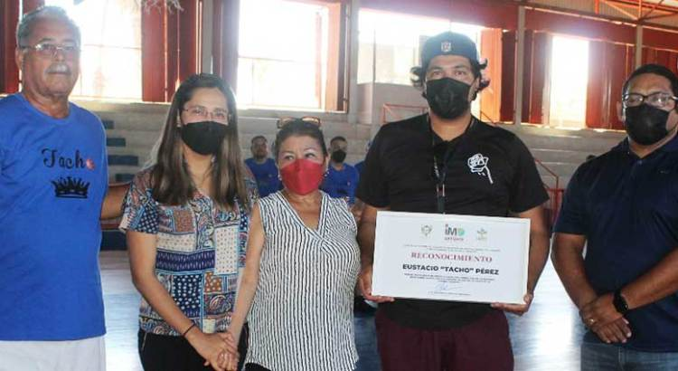 """Arrancó el Torneo Municipal de Basquetbol Eustacio """"Tacho"""" Pérez"""