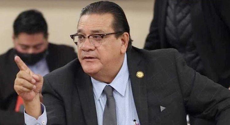 Recibe Alfredo Porras constancia de mayoría