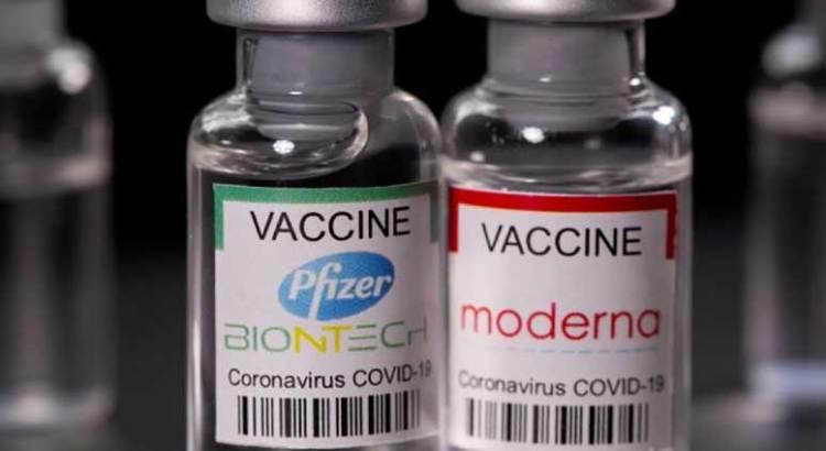 Podrían vacunas de Pfizer y Moderna ofrecer protección de por vida