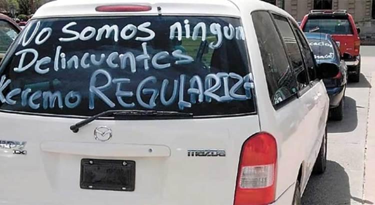 """Ofrece AMLO regularizar autos """"chocolate"""""""