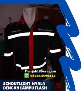baju lapangan dengan schoutlight