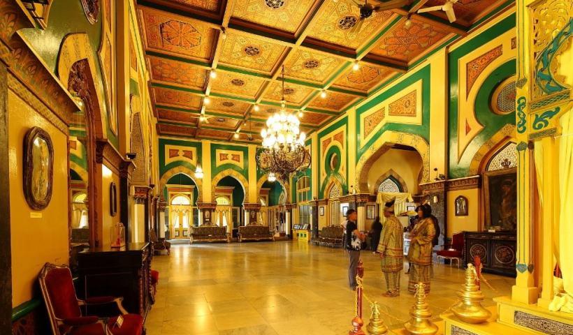 Keindahan Interior Istana Maimun, Medan