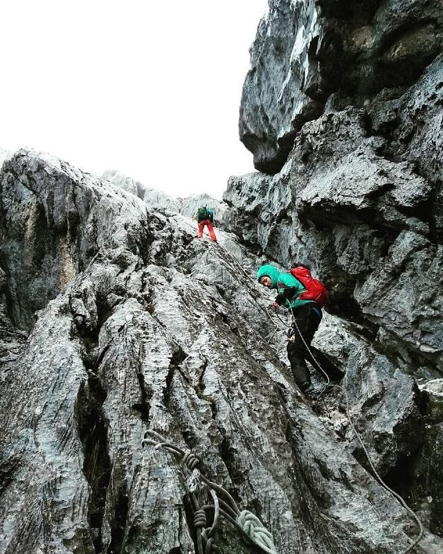 Pendakian ke puncak Carstensz Pyramid