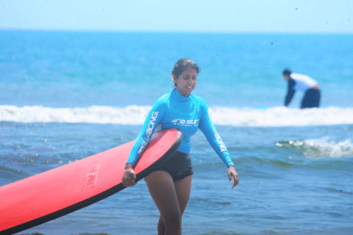 My first Surfing Experience – Why I don't have any pictures on the surfboard!!