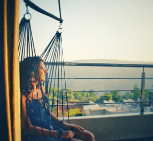 Ajita Mahajan aka PenningSillyThoughts enjoying sunset from her room in hotel mahabaleshwar fragrance