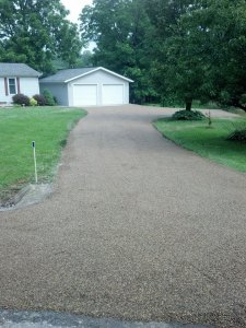 New colored oil and chip residential driveway in southern Illinois | Penninger Residential & Commercial Asphalt Paving