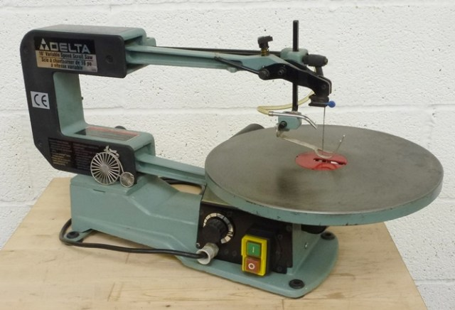 "DELTA 16"" VARIABLE SPEED SCROLL SAW"