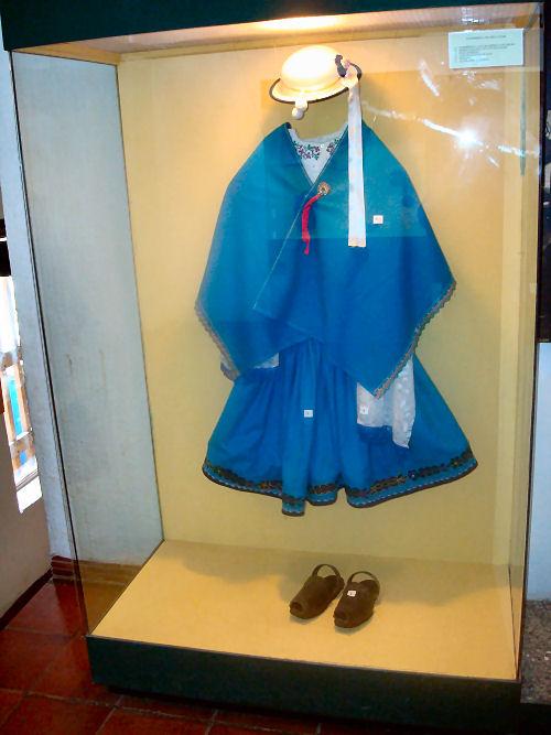 Female clothing of Inca people