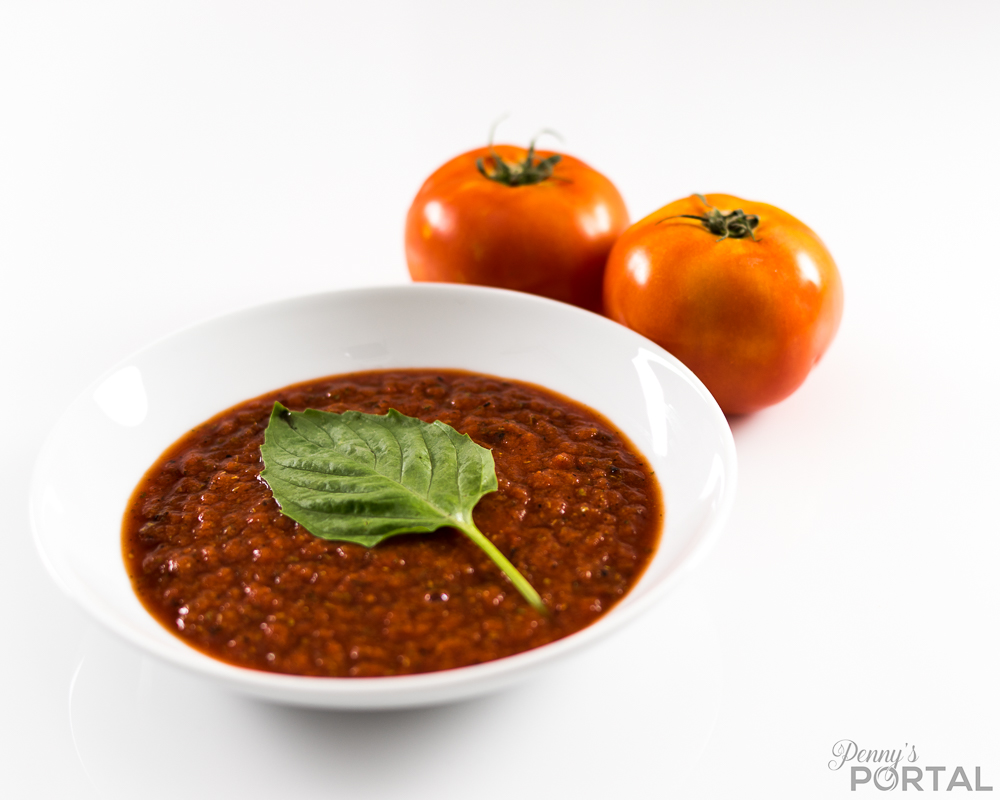 Ridiculously easy and delicious 5 minute marinara sauce! (Vegan, plant based, oil free)